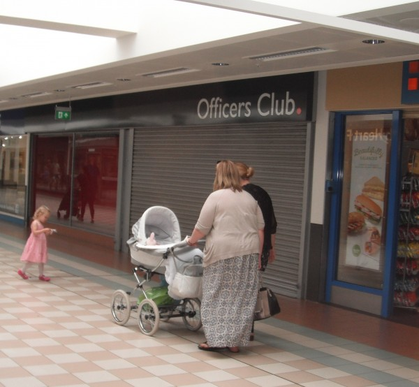 Photo of 128-129, Middleton Grange Shopping Centre